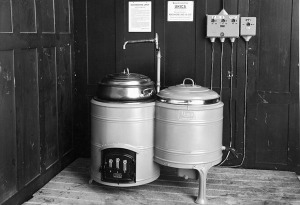 Kochherd + Zentrifuge = Waschmaschine 1945(Bild: V-Zug)